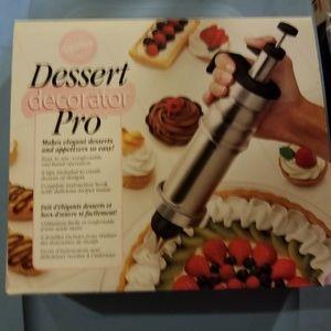 Other - Wilton Dessert Decorator Pro Set